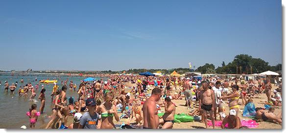 Анапский пляж в июле